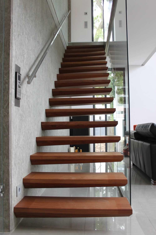 escalier bois marches en ailes d 39 avion id e maison pinterest escalier bois escaliers et. Black Bedroom Furniture Sets. Home Design Ideas