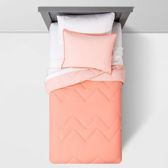 Twin Reversible Comforter Set Pink - Pillowfort