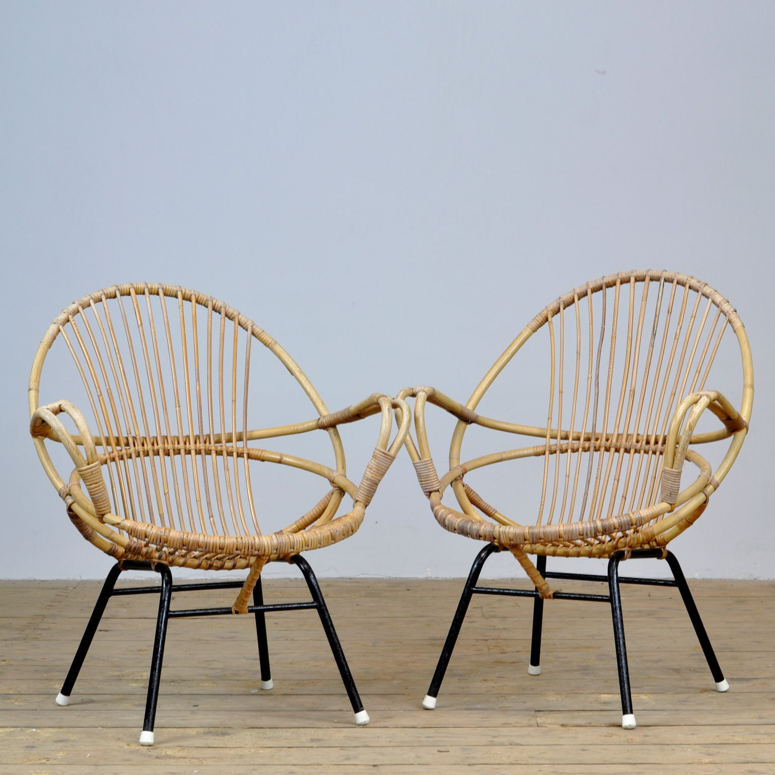 Set Of Vintage Rattan Chairs 1950 S In 2020 Rattan Chair Chair Rattan Armchair