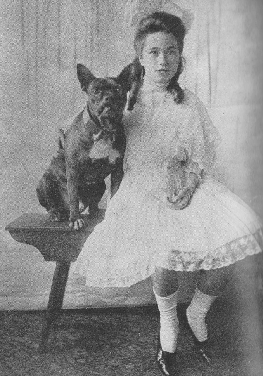 A young Wallis Simpson and her dog Wallis simpson