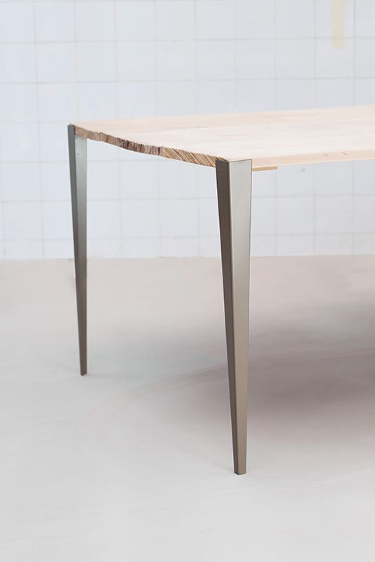Pied Table Design
