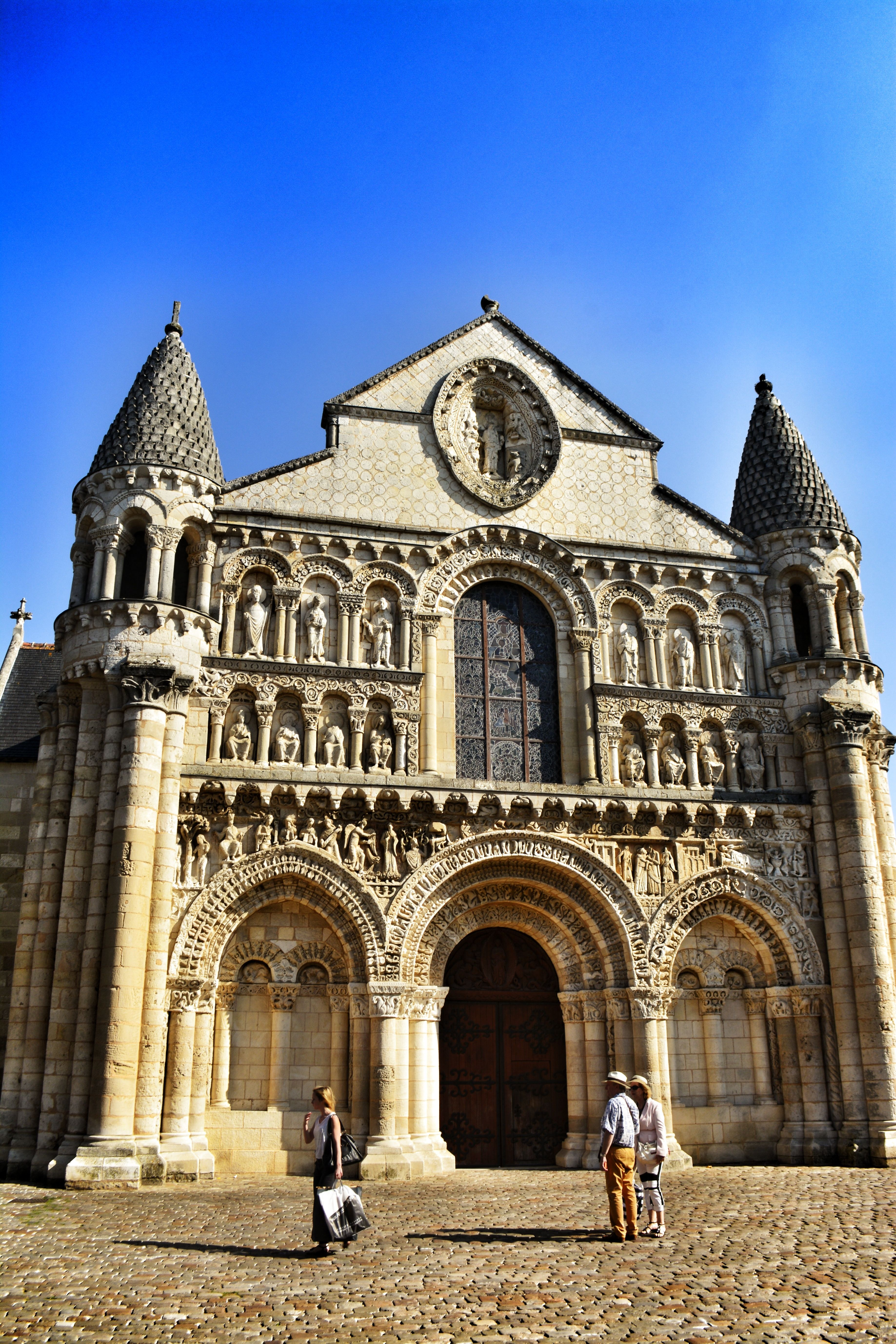 Poitiers France Catedral Castillos Arquitectura