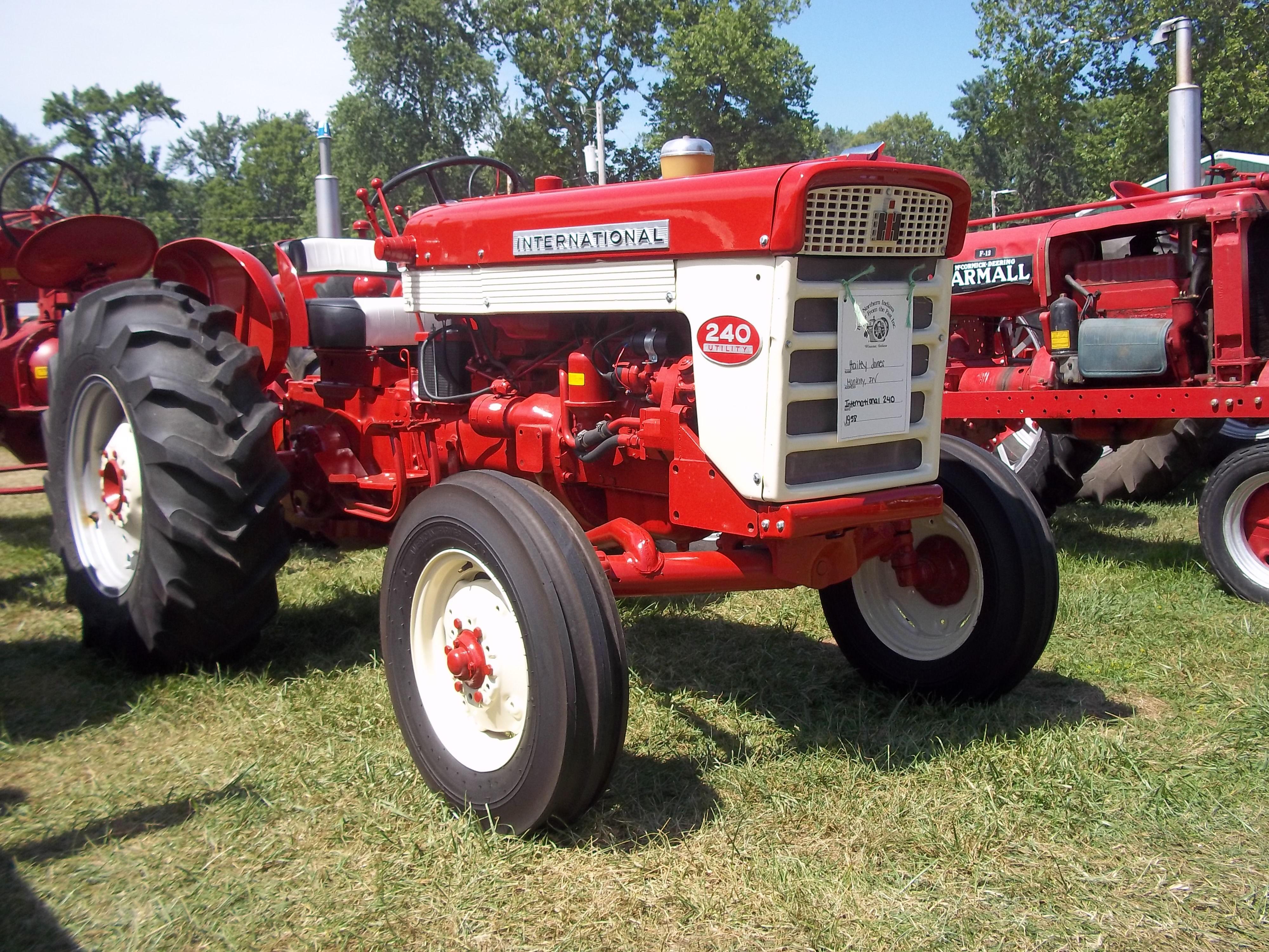1958 International Tractor : International harvester pinterest