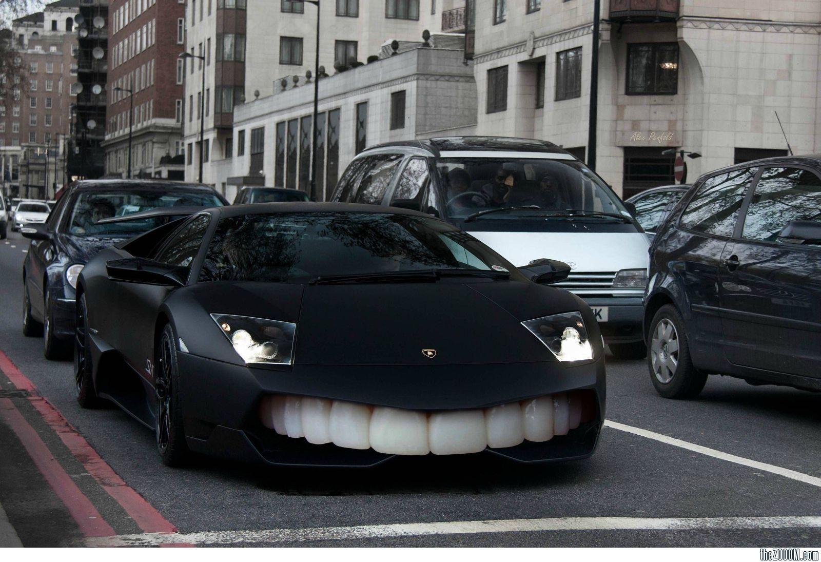 ламборджини с зубами