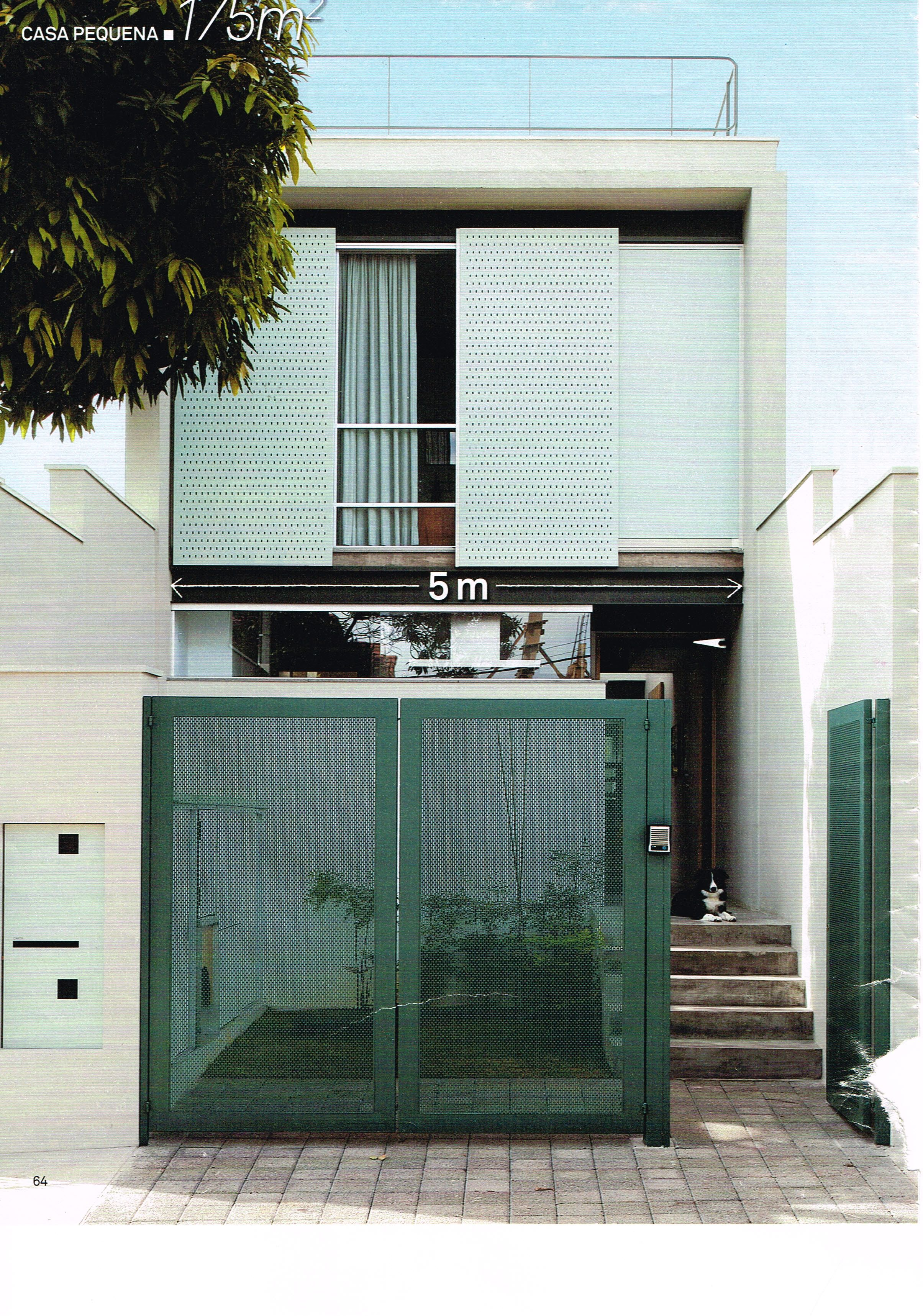 Sobrado estreito port o esquadria de correr fachadas for Arquitectura moderna casas pequenas