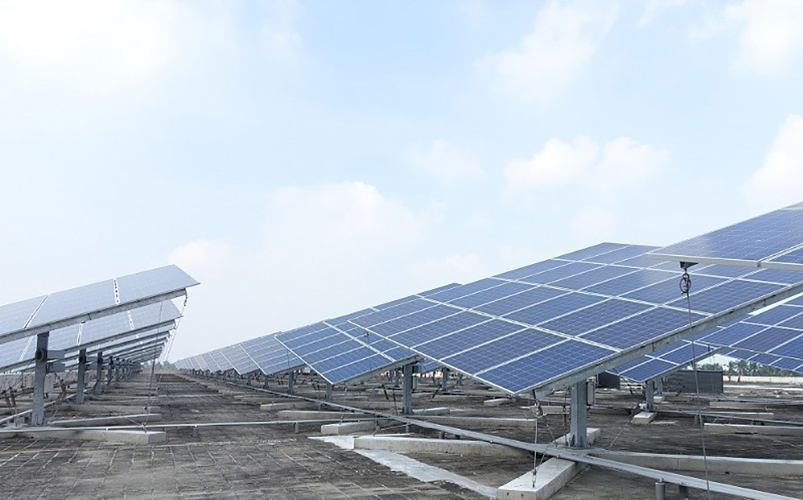 Taiwan Will Soon Be Home To World S Largest Dual Axis Solar Power Tracker Station Solar Solar Power Energy Efficient Homes