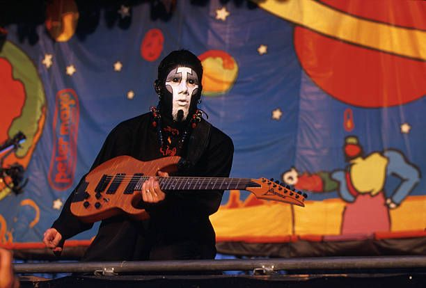 Guitarist Wes Borland of Limp Bizkit performs in concert at the 1999