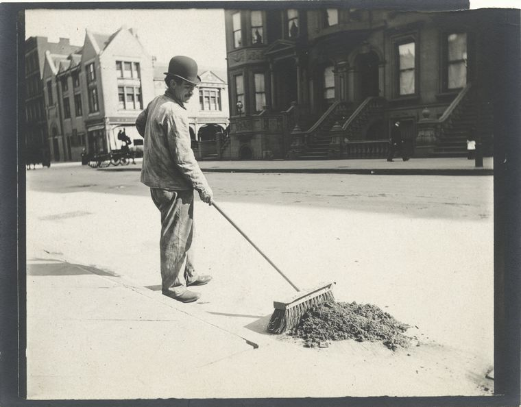 Everyday Street Scenes From Late S New York City New York - Nyc street sweeping map