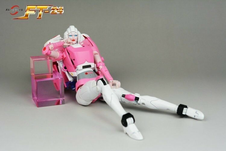Transformers toy FansToys FT-24 FT24 Rouge G1 Arcee Action figure