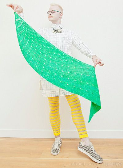 Dotted Rays. http://www.ravelry.com/patterns/library/dotted-rays