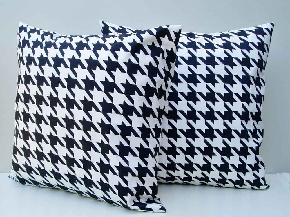 Houndstooth Throw Accent Pillows In Modern Motif