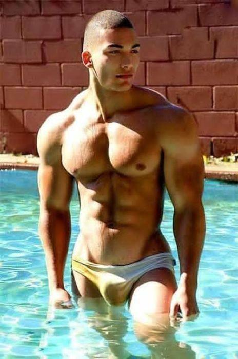 Sexy men with big bulges