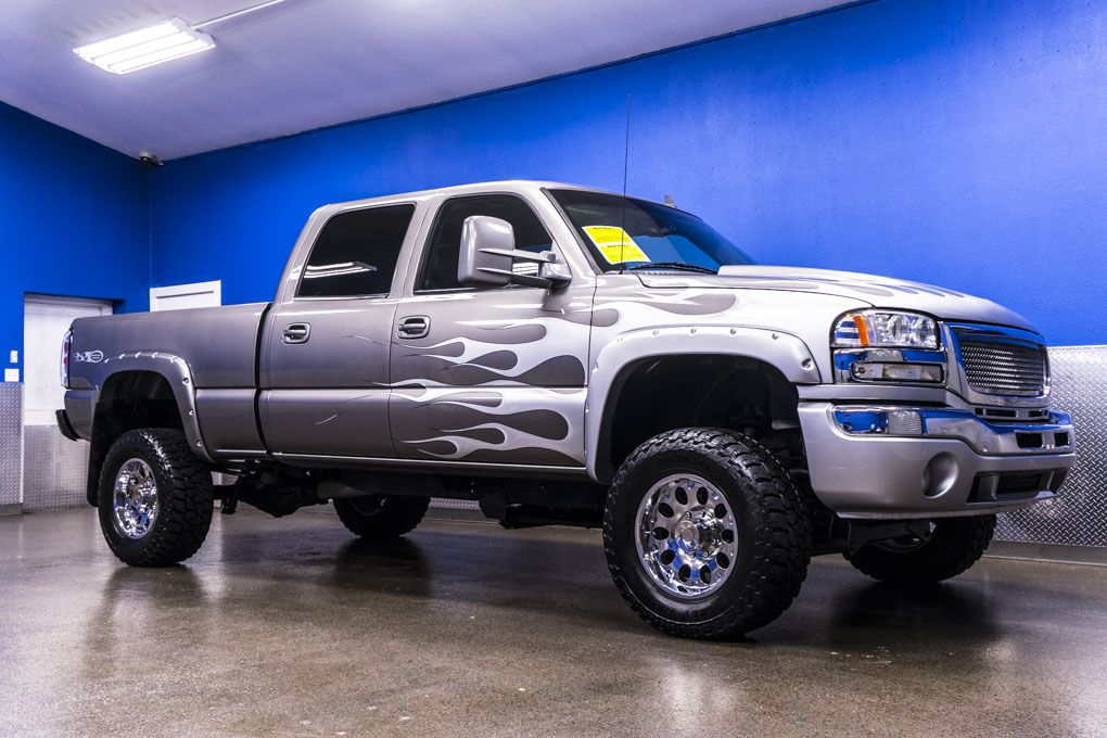With a beastly lift and a 6 6L Duramax Diesel Engine this 2006 GMC     With a beastly lift and a 6 6L Duramax Diesel Engine this 2006 GMC Sierra  2500HD