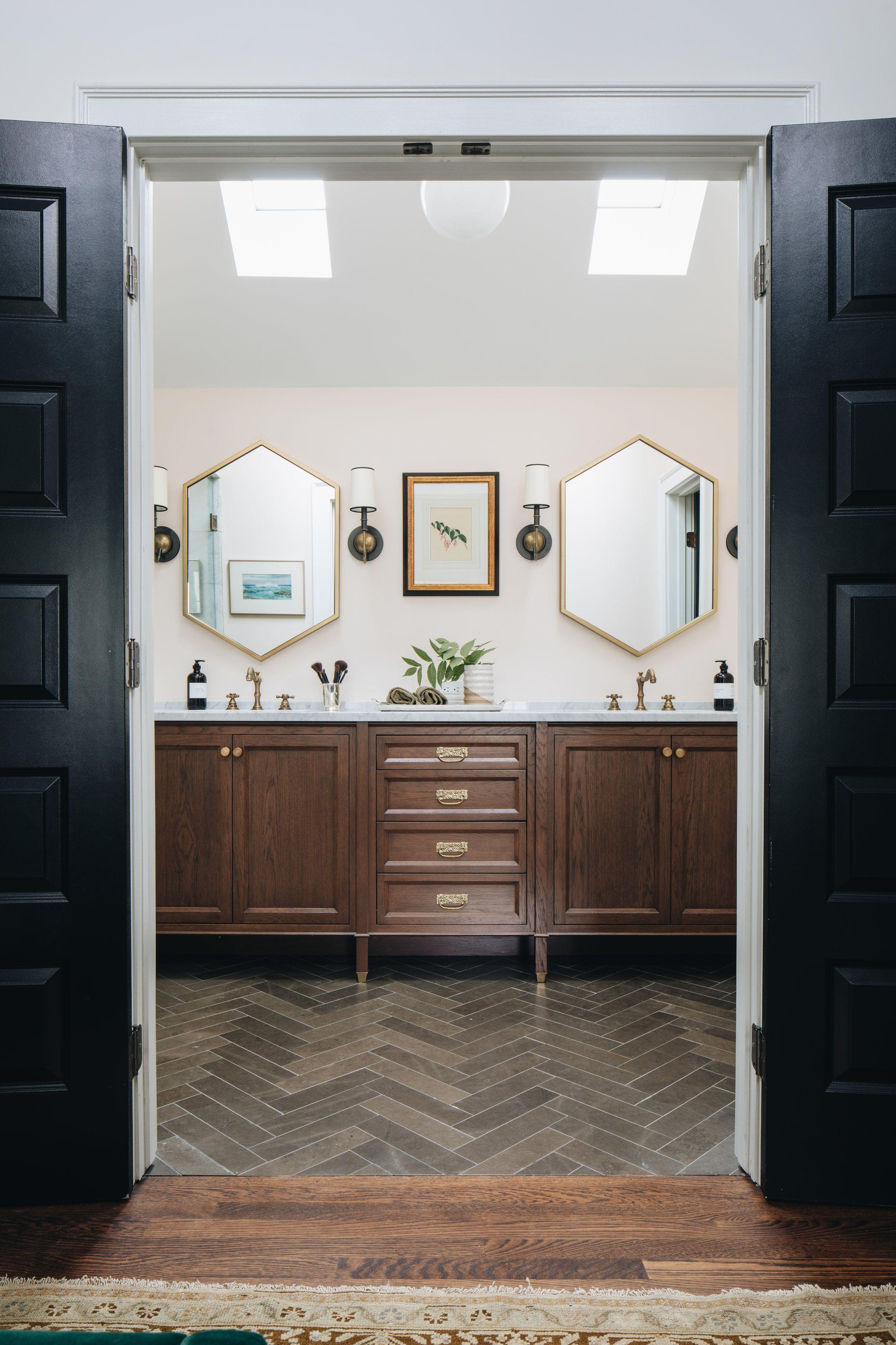 Photo of English Cottage – Jean Stoffer Design