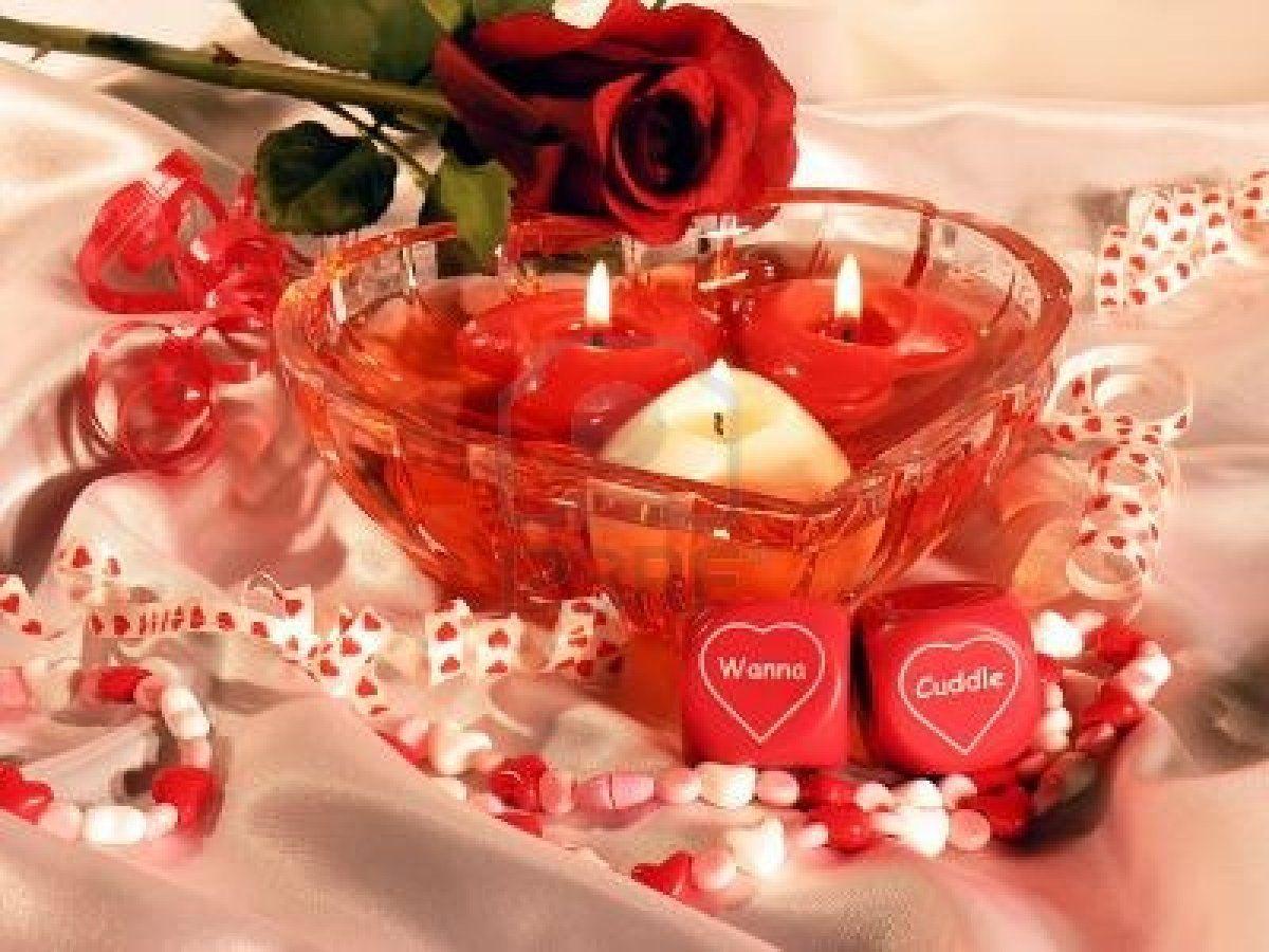 Heart Shaped Dish With Three Heart Shaped Floating Candles. Romantic Dice That Say Фотография, картинки, изображения и сток-фотография без роялти. Image 238609.