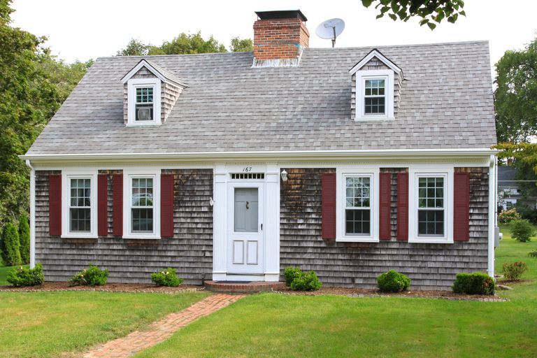 the cape cod house style in pictures red shutters england