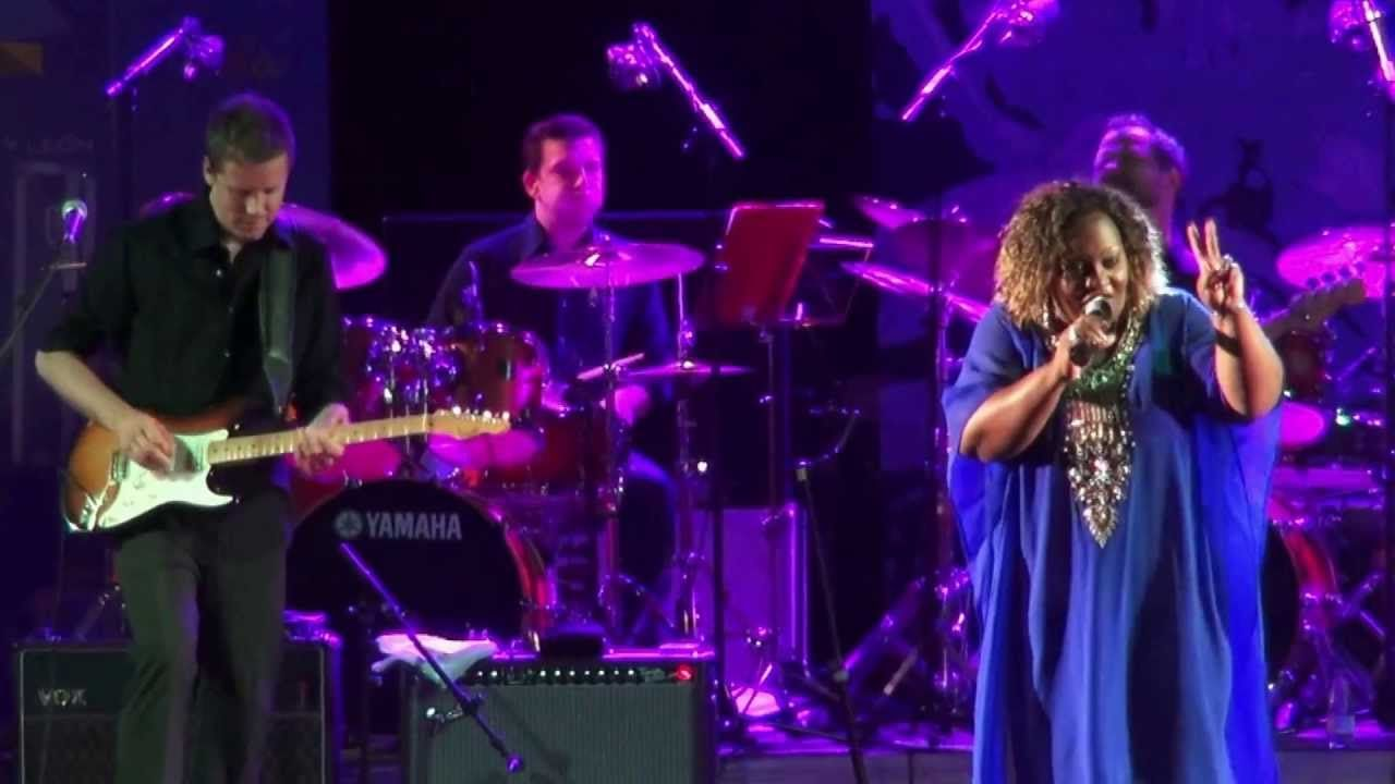"Sharrie Williams - ""Power"" [Béjar, SA. 2013/07/12]"