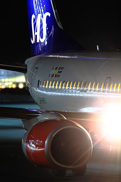 Night Flight Sas Scandinavian Airlines Boeing 737 783 Ln Rpj Scandinavian Airlines System Night Flight Scandinavian