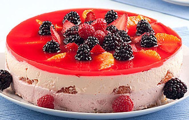70125e07a0 Ζελέ γιαούρτι με φρούτα. Το απόλυτο καλοκαιρινό γλυκό με λίγες ...
