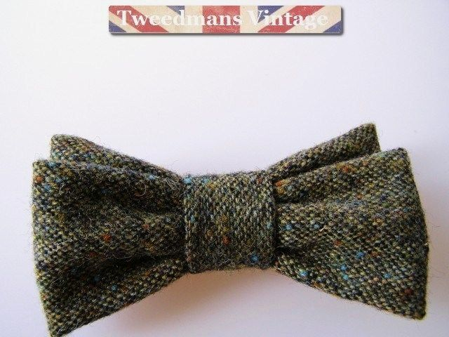 Donegal tweed bow tie green flecked tweed | Tweedmans Vintage