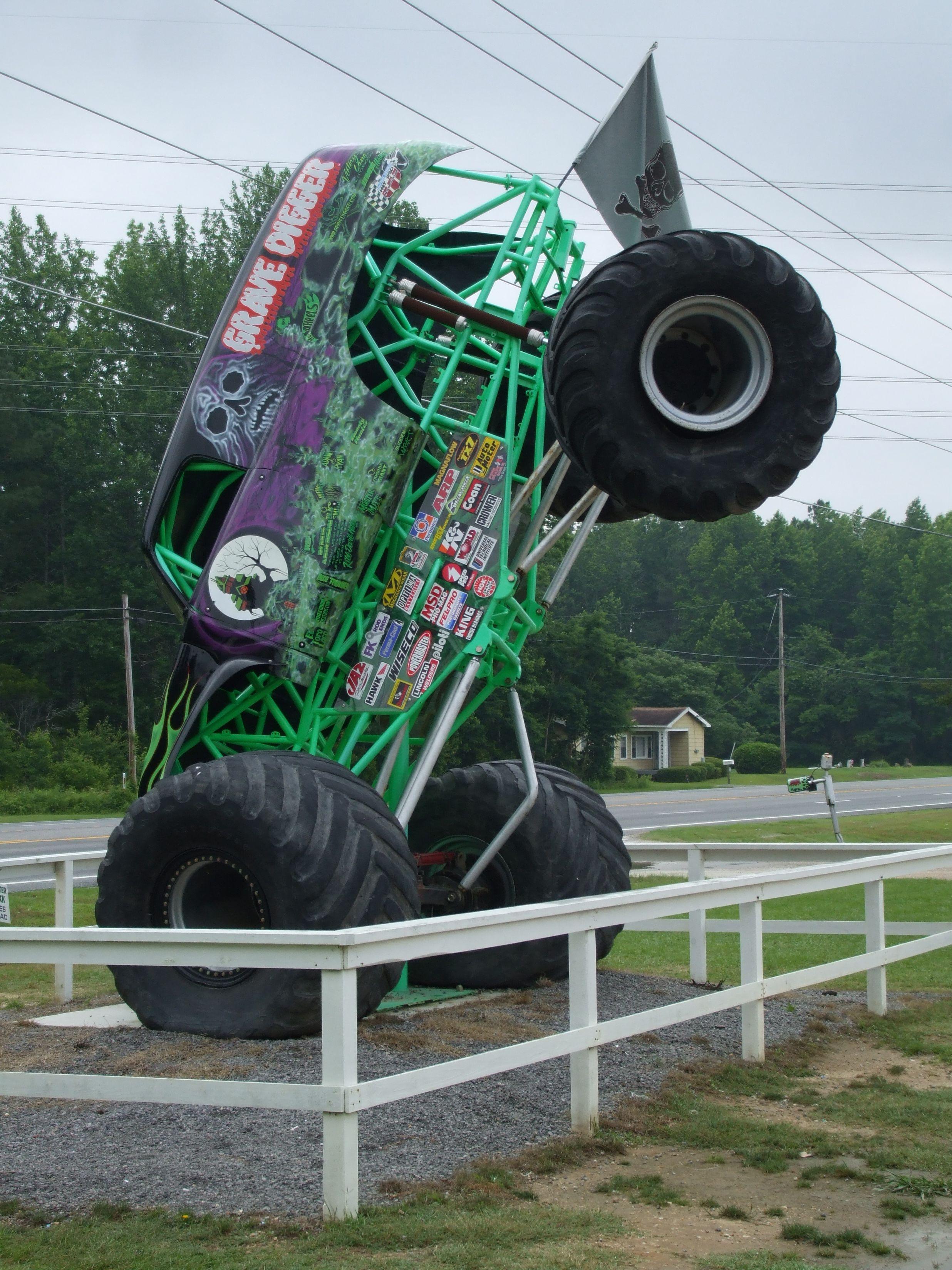 Grave Digger Monster truck
