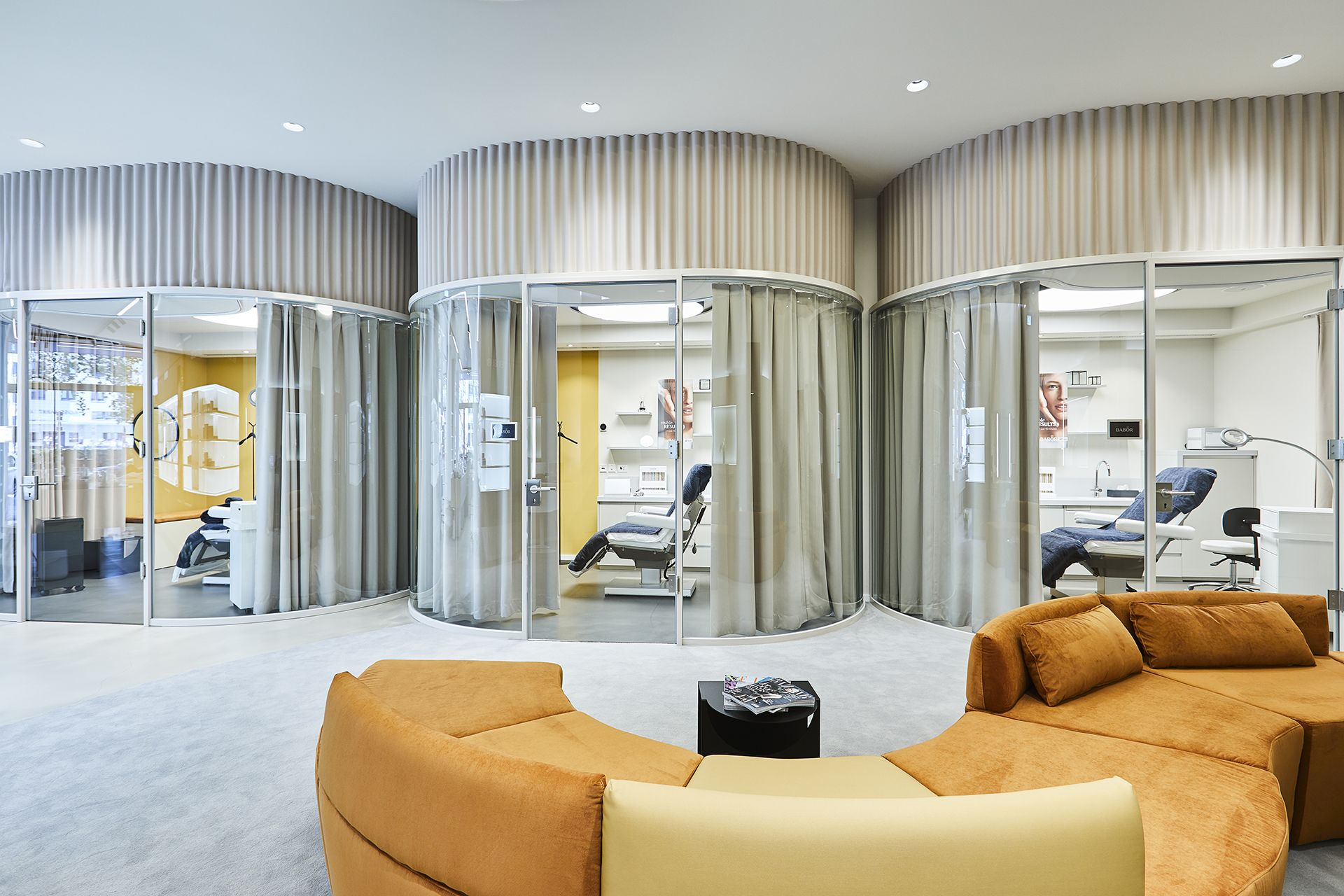 Burotrennwande Ganzglasanlagen In 2020 Raumteiler Badezimmer Grun Wohnen