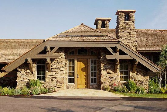 Comfort and style for a rustic mountain home exquisite for Www traditionalhome com