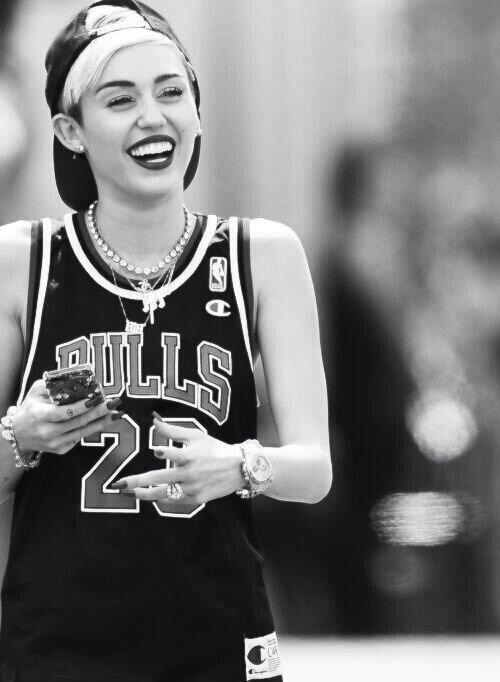 Miley Cyrus Wallpaper Miley Cyrus Miley Singer