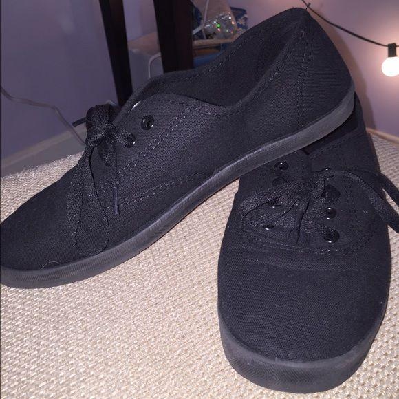 cad05ea891b 8 A Shoes Knockoff Worn Like Vans All Size Black Look Target Vans U41w4qf