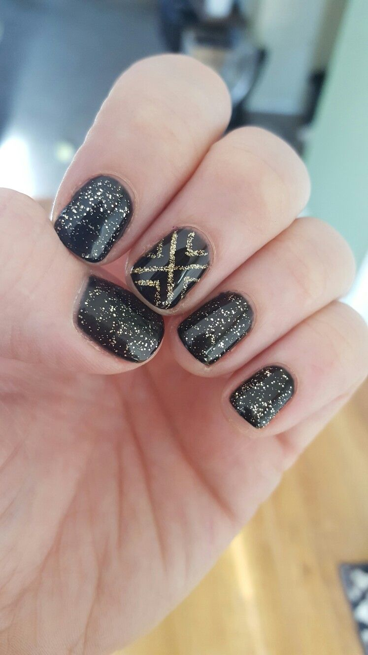 New Years Nails! Black and gold | Nails! | Pinterest