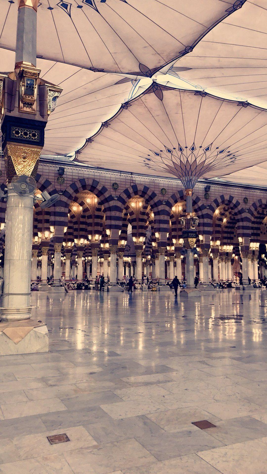ما أعظم أن يراك الله وأنت تجاهد نفسك وقد غلبها النوم لتجيب المنادي ل صلاة الفجر مستيقظا محتسبا الصلاة خير من ال Mecca Islam Islamic Pictures Mecca Wallpaper