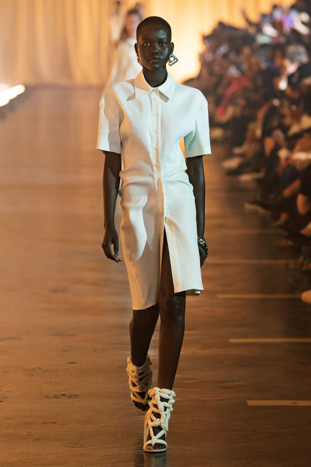 Off White Spring 2020 Ready to Wear Fashion Show | Ready to