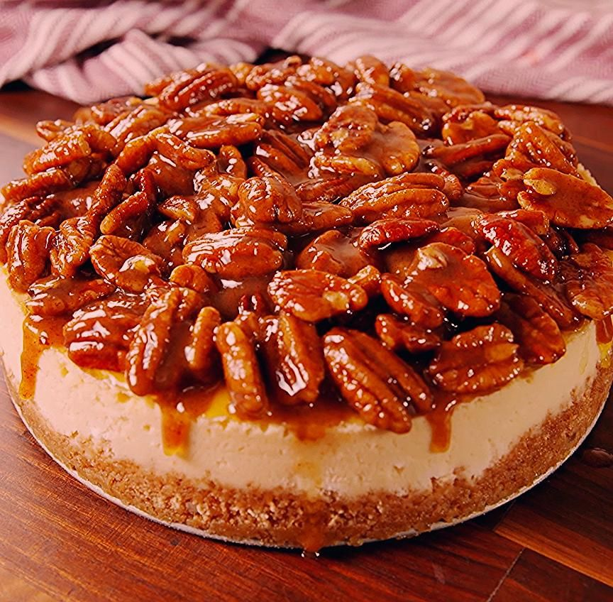 Still don't know what dessert to make for the holidays? Pecan Pie Cheesecake