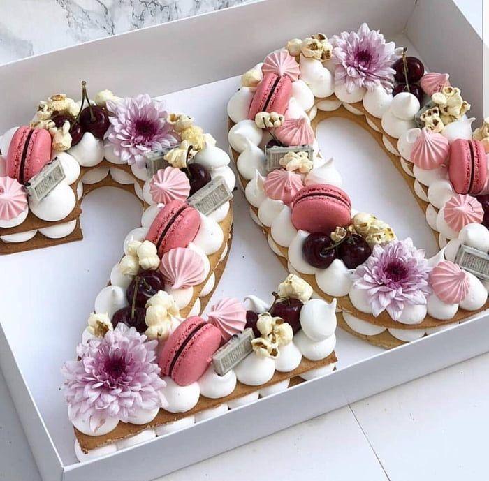 Eine Ungewohnliche Torte Torte Ungewohnlicher Geburtstagstorte 25 Geburtstagskuchen Schone Geburtstagskuchen Zahl Geburtstagstorten