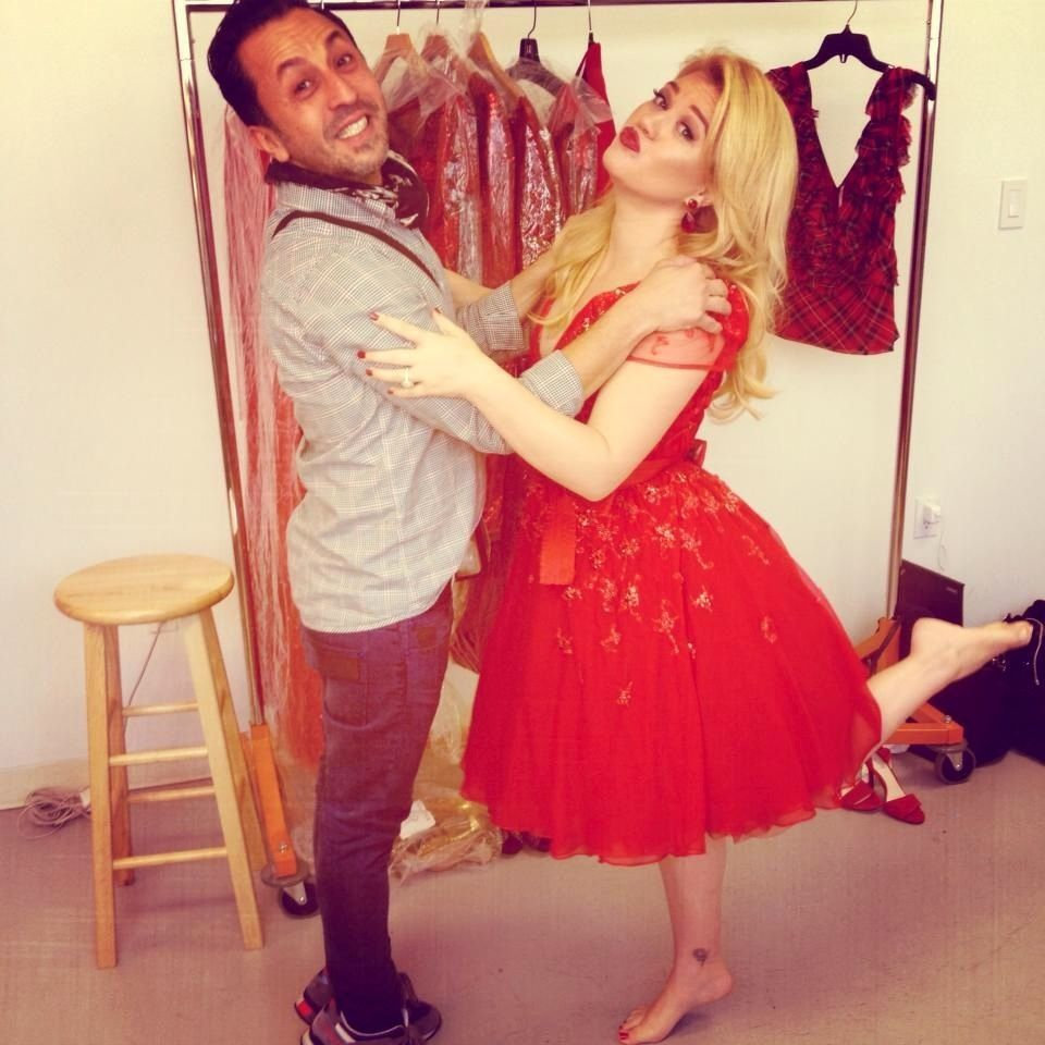 Kelly Clarkson - Wrapped In Red (Christmas Album) Before her photo ...