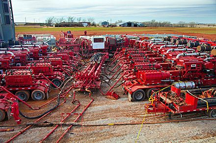 Fracking With Natural Gas Engines Oilfield Life Oilfield Drilling Rig