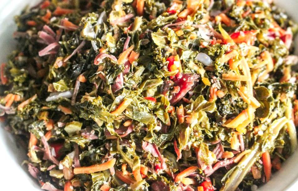 How To Make Delicious Braised Southern Soul Food Style Kale Greens Seasoned With Smoked Turkey Peppers Onions In 2020 Greens Recipe Southern Greens Recipe Braised Kale