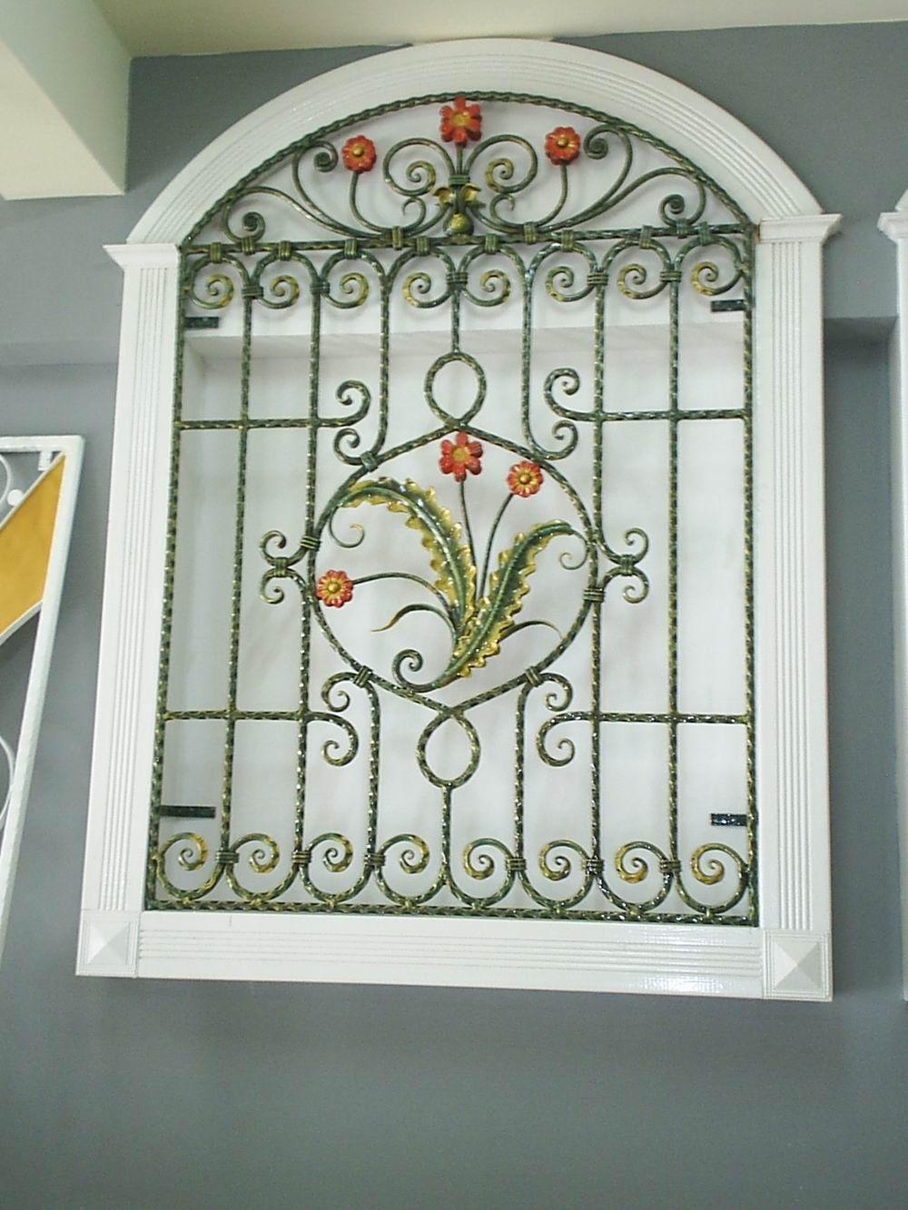 Decorative Wrought Iron Window Idea For Exterior Pantry Window Ventanas Modernas Ventanas Ventanas De Fierro