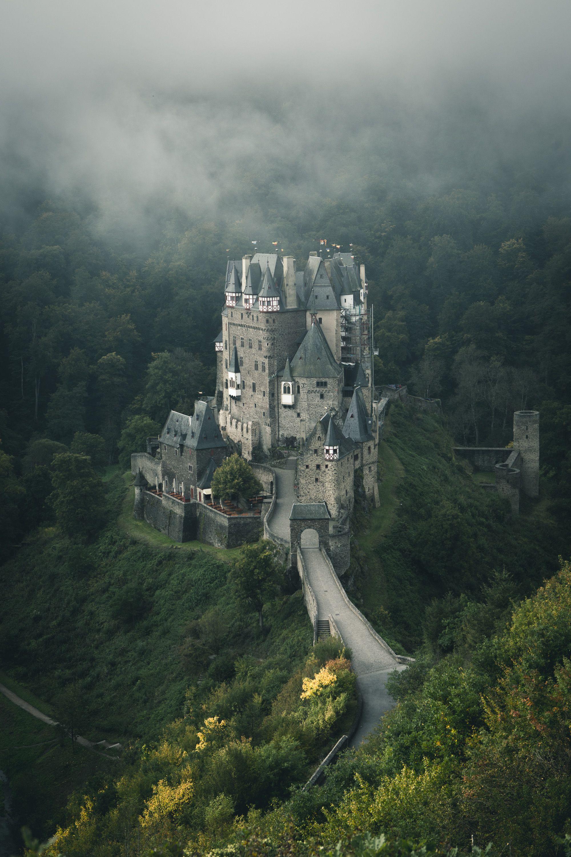 Trotz Bewolktem Himmel Wunderschon Die Burg Eltz Urlaub Reisen Burg Reisen