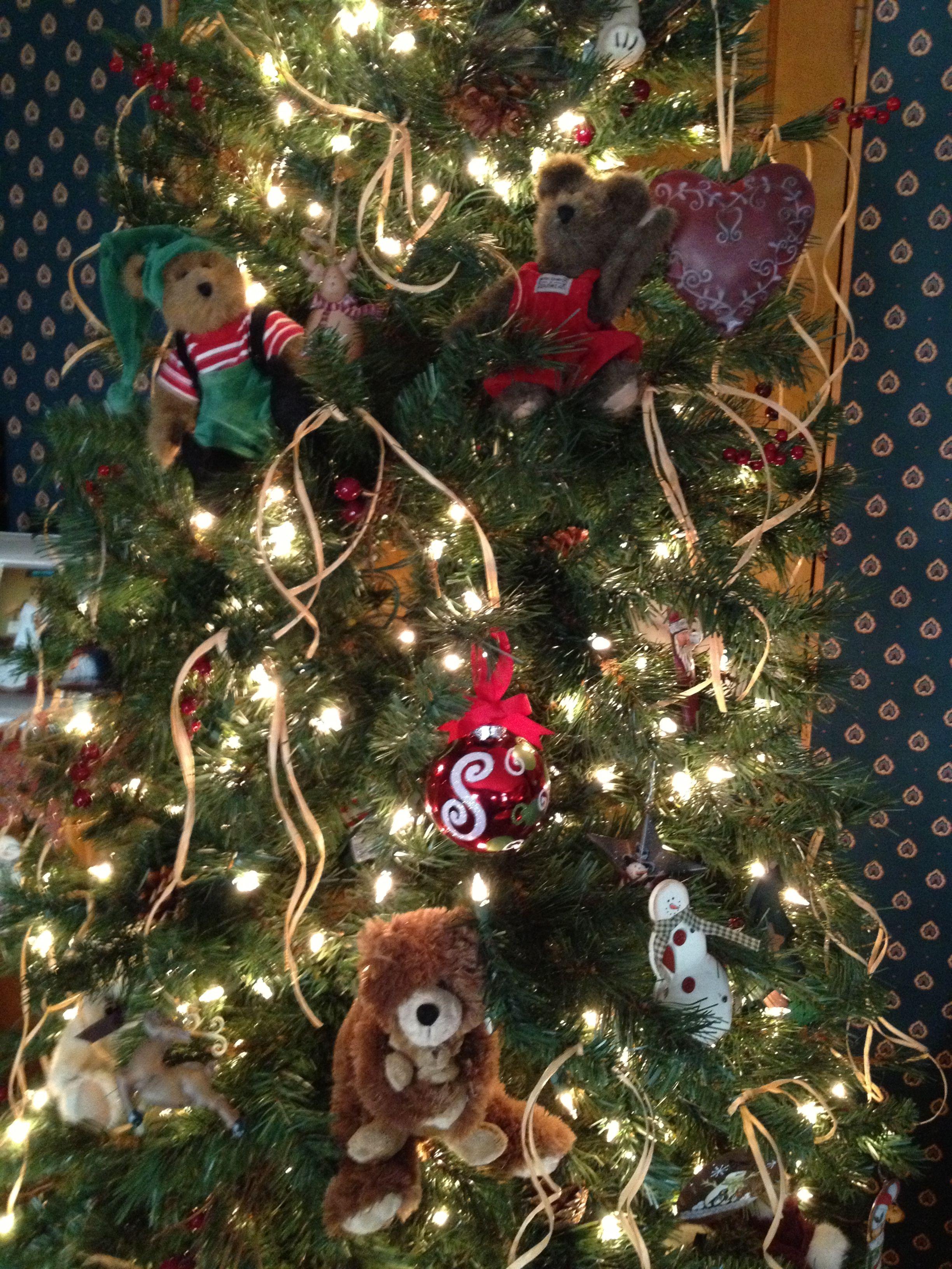 My Boyd S Bear Christmas Tree Boyds Bears Christmas Christmas Tree Christmas Decorations