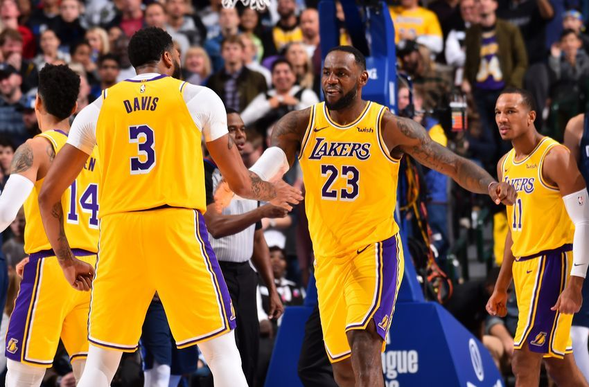 Los Angeles Lakers Are Sweeping The Awards Early In Season Nba Lakeshow Nba News Los Angeles Lakers Lakers