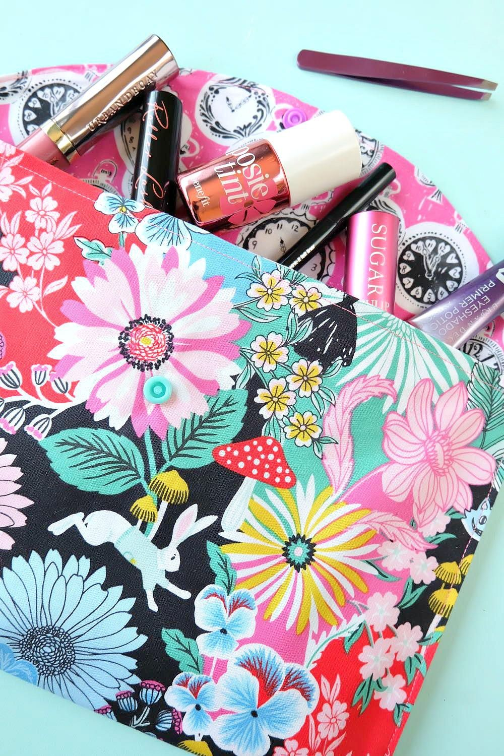 20 Minute Makeup Bag Sewing Tutorial Hand sewing