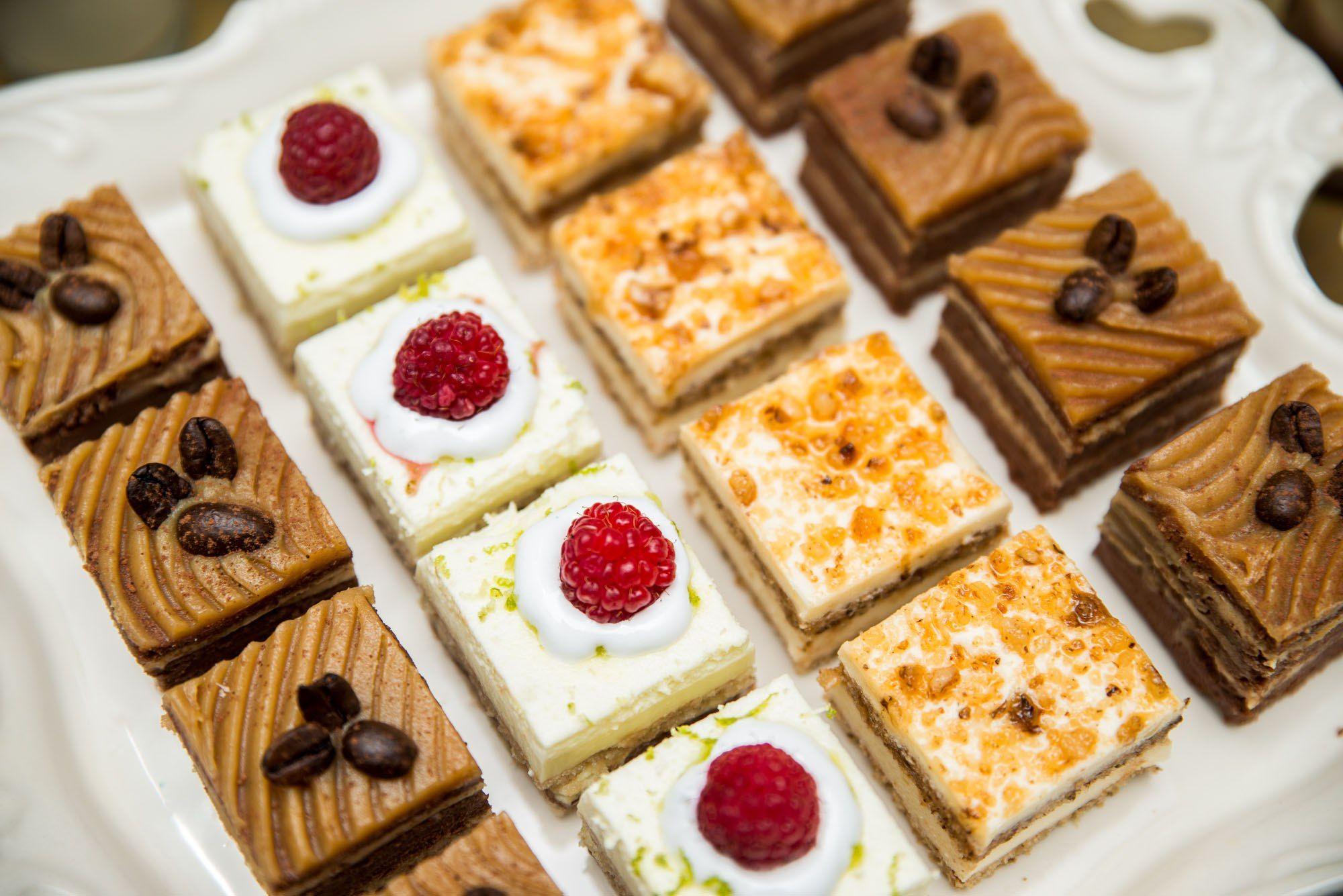 Imagini pentru imagini cu prăjituri