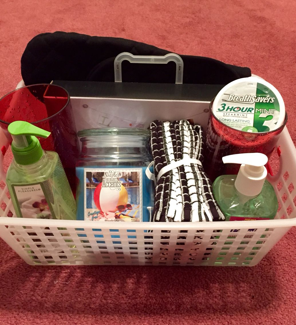 DIY Apartment Warming Gift! Plastic Cups, Dish Towels, Oven Mitts, Candle,
