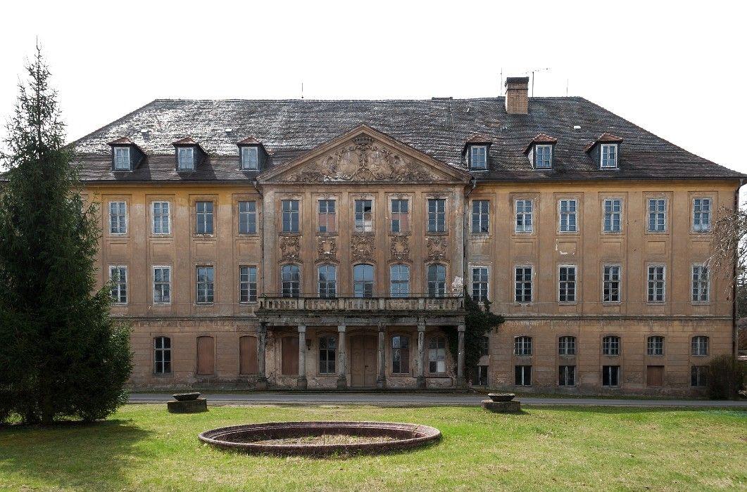 Neues Schloss Uhyst Frontseite Schlösser deutschland