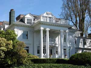 Ballard Howe Mansion On West Highland Drive Queen Anne Hill Seattle Mansions Seattle House Styles