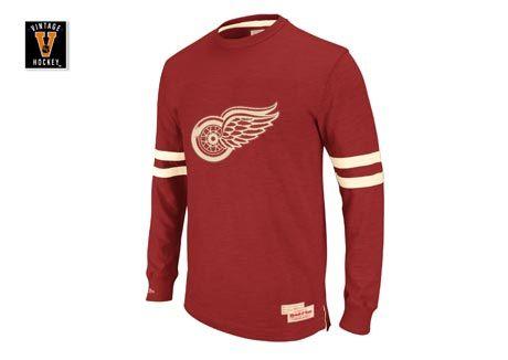 detroit red wings long sleeve tee.