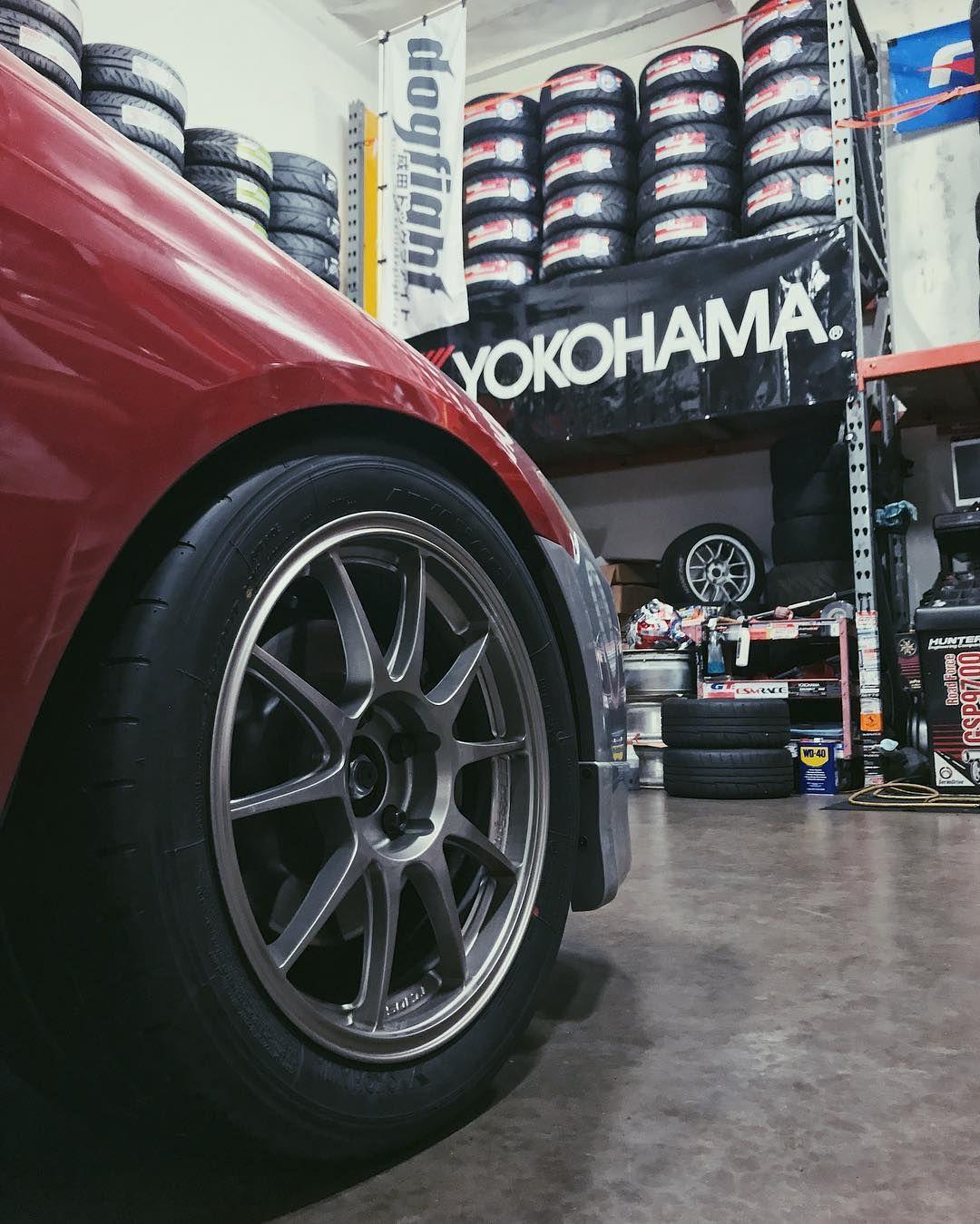 R Compound Rcompoundusa On Instagram Tonyjackson S Tsx Is Ready For Some Hotlaps This Weekend With New 255 40 17 Yokohama Advan A052 Tires Rcompoundusa [ 1349 x 1080 Pixel ]