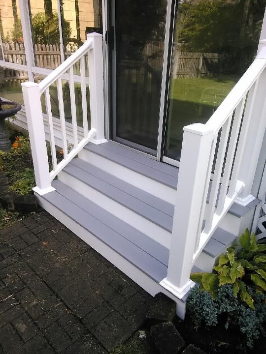 Best Vinyl Railings And Wide Composite Steps Outdoor Steps 400 x 300