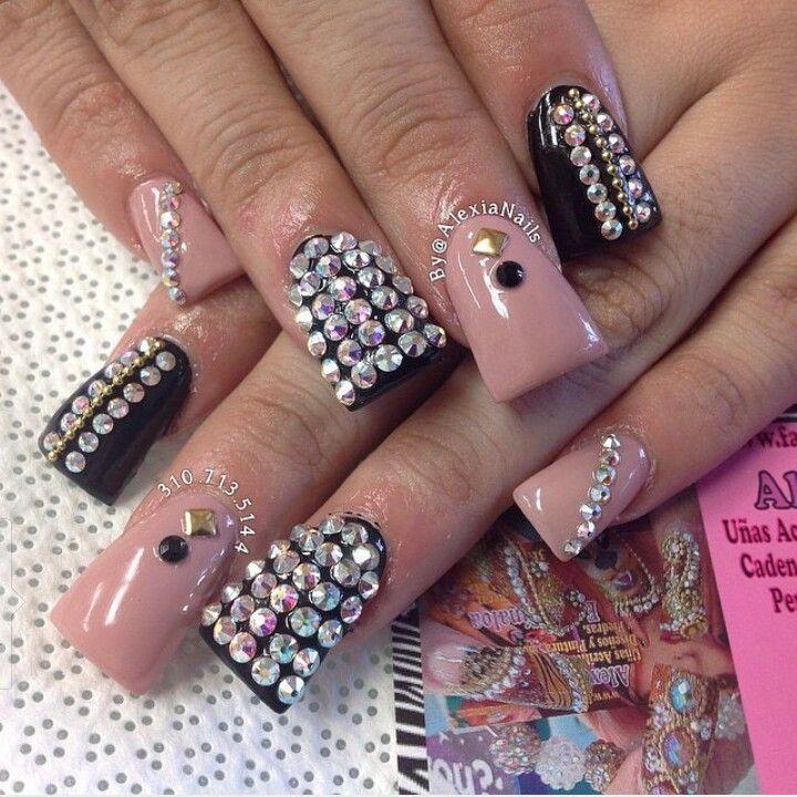 Nail art design idea on Duck feet nails | Unas | Flare tip nails ...
